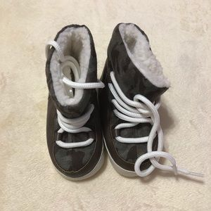 NWOT Baby Gap Shoes